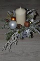 - Dekorácia na stôl s vianočnou tematikou - 8938958_