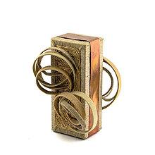 Socha - Textilná miniatúra s názvom: Hravosť. - 8941762_