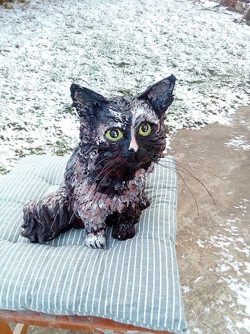 Keramická mačka