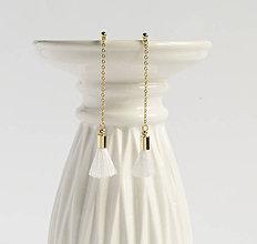 Náušnice - Malé visiace strapcové náušničky - biele + 20 farieb - 8942894_