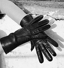 Rukavice - Černé dámské rukavice bezpodšívkové - ručně šité - 8942854_