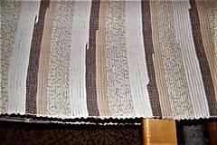 Úžitkový textil - Tkaný hnedo-biely koberec - 8945037_