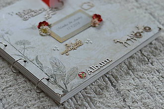 Papiernictvo - Svadobný fotoalbum s trochou červene .. - 8947934_