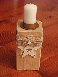 Svietidlá a sviečky - Drevený svietnik s jutou a hviezdou - 8947303_