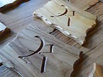 Pomôcky - Drevená podložka, podšálka s monogramom - 8950613_