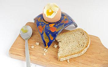 Pomôcky - Stojan na vajíčko