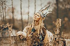Svetlá mentolovo-biela bohémska čelenka