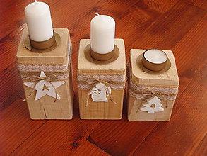 Svietidlá a sviečky - Sada 3 drevených vianočných svietnikov - 8949358_