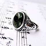 Prstene - Antique Silver Seraphinite Ring / Starostrieborný prsteň so serafinitom /0427 - 8952404_