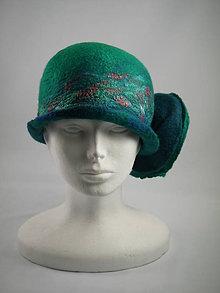 Čiapky - Jasno zelený Cloche klobúk, ručne plstený z merino vlny - 8954550_