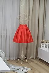 - Krátka saténová sukňa  - 8952280_