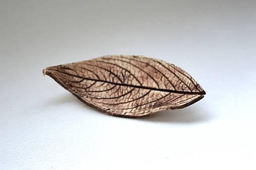 Keramická brošňa lístok Dlháň