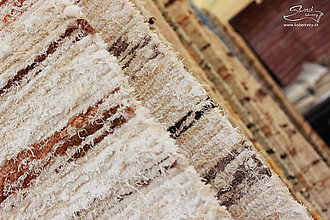 Úžitkový textil - Ručne tkaný koberec KOBERČEKY SLUŠŇÁK 60 cm šírka hnedý - 8955727_