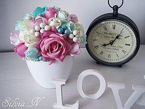 Dekorácie - Kvetináč a ruže zo stúh. - 8955208_