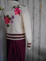 """Svetre/Pulóvre - """"Romantik FLORAL"""" vyšívaný pletený pulóver z mohéru - 8959241_"""