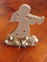 Dekorácie - Drevený vianočný anjelik 20cm - 8960956_