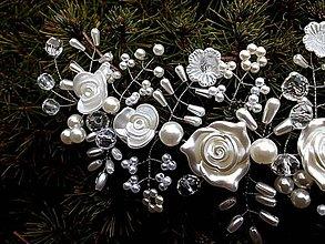 Ozdoby do vlasov - svadobná ozdoba do vlasov - štvrťvenček, sponka, čelenka - ružičky Ivory - 8968396_