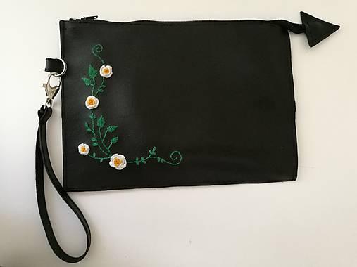 I.VY vyšívaná kabelka do ruky   I.VY - SAShE.sk - Handmade Kabelky 658eb0e16f5