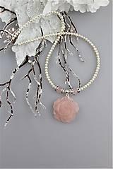 Luxusný náhrdelník z perál ruženínu a striebra