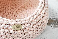 Pletený košík - marhuľkový