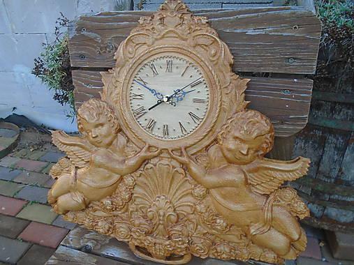 drevorezba hodiny