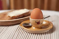 Nádoby - Stojan na vajíčko s tanierikom - 8973854_