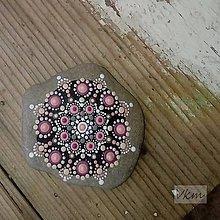 Dekorácie - Gaderský do dlane - Na kameni maľované - 8974794_