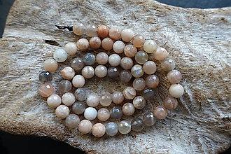 Minerály - Mesačný kameň fazetovaný 6mm - 8976988_