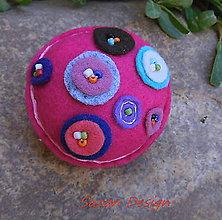 Detské doplnky - brož bambuľka cyklámenová - 8983436_