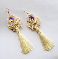 Náušnice - Ručne šité šujtášové náušniče / Soutache earrings - Swarovski (Rosali - béžová/porcelánová) - 8982156_
