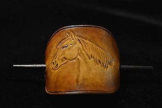 Ozdoby do vlasov - Kožená spona do vlasov s motívom koňa. - 8983684_