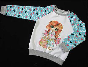 Detské oblečenie - Mikinka so srdiečkami a dievčatkom - 8984758_