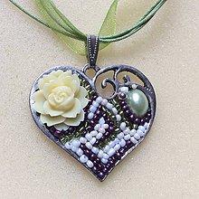 Náhrdelníky - náhrdelník s príveskom: srdečno - 8985032_