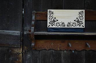 Kabelky - DREVENÁ KABELKA VAJNORY (Čierna/smrek) - 8987698_