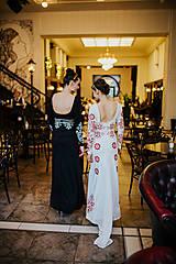 Šaty - Dlhé biele vyšívané šaty - 8984720_