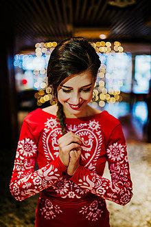 Šaty - Dlhé červené vyšívané šaty - 8984658_