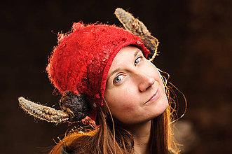 Čiapky - Červená ručne plstená chlpatá vikingská čiapka - 8991137_