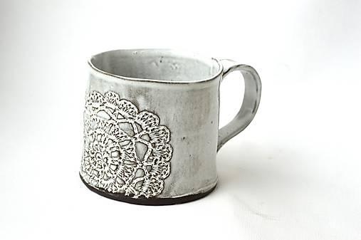 Čipkovaný pohár (Tmavá + Biela)