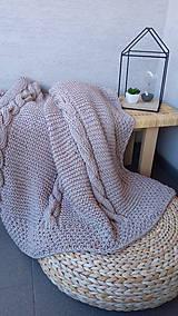 Úžitkový textil - Pletená deka - 100% ručná práca - 8990541_