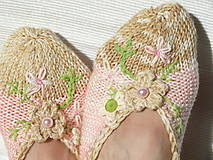 Vyšívané dámske papučky (Béžová)