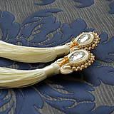 Náušnice - White Tassels - sutaškové náušnice se střapci - 8996334_