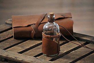 Papiernictvo - sklenená fľaša obalená v koži BASILIUS - 8999204_