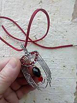 Náhrdelníky - Prívesok z nerezového drôtu - 8997836_
