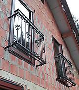 Nábytok - Kované zábradlie na francúzske okná - 8996808_