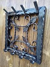 Nábytok - Kovový vešiak na kľúče - 8999524_