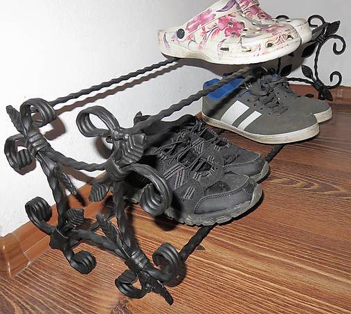 Kovaný botník, Regál na topánky
