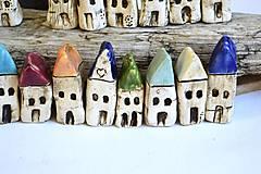 Dekorácie - Domček z dedinky v údolí - 8996629_