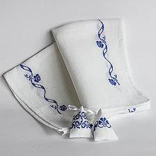 Úžitkový textil - Ruže v sade - folk vyšívaný obrus - 8996311_