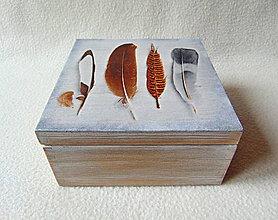 Krabičky - Drevená krabička Pierka - 9000720_