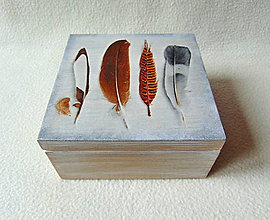 Krabičky - Drevená krabička Pierka - 9000725_